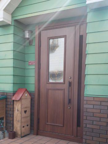 足立区 玄関のリフォーム事例 YKKAP 親子ドア E07